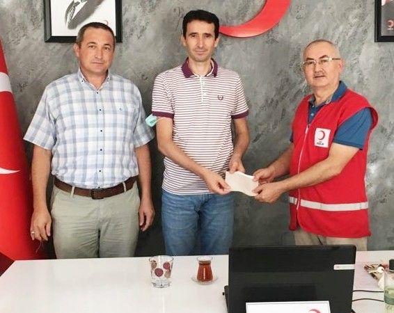 Mustafakemalpaşa'da öğretmenlerden yangın bölgesine yardım