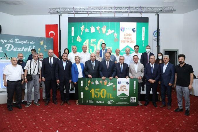 Bursa'da hem öğrenciye hem esnafa destek sürüyor