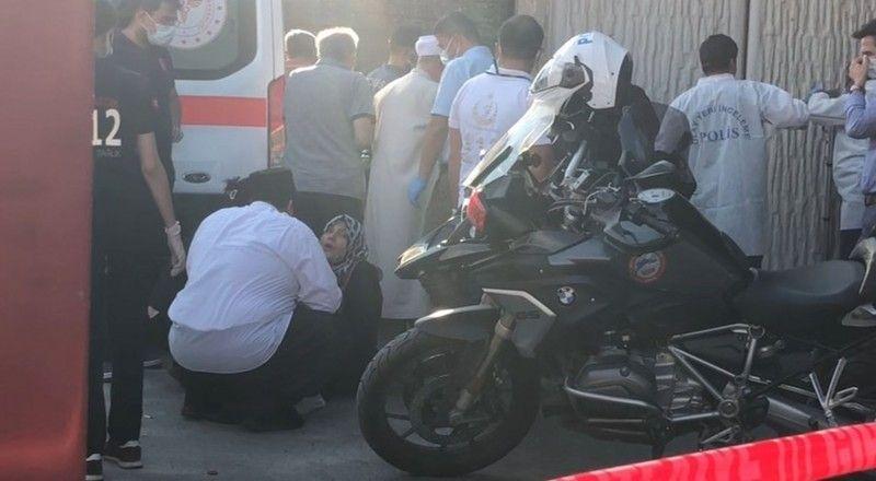 Bursa'da köprü altındaki elektrik kablolarına dokununca akıma kapılan Muhammet Fatih Bölükbaşı (17), hayatını kaybetti. Acı haberle köprüye gelen Bölü