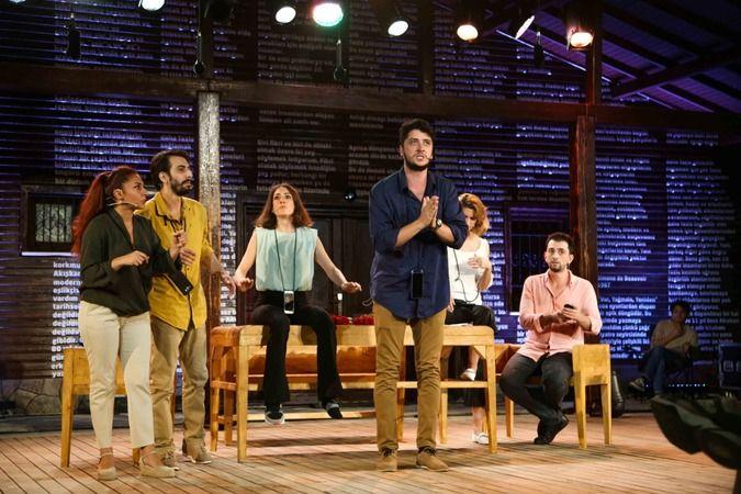 Nilüfer'de tiyatro keyfi sürüyor