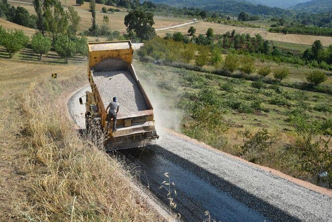 Bursa Büyükşehir Belediyesi Ulaşım Daire Başkanlığı ekipleri çalışmalarına hız kesmeden devam ediyor. Ekipler sorumluluk alanında bulunan 8 bin kilome
