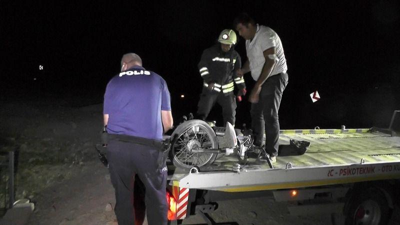Bursa'da 15 yaşında motosikletiyle su kanalına yuvarlandı