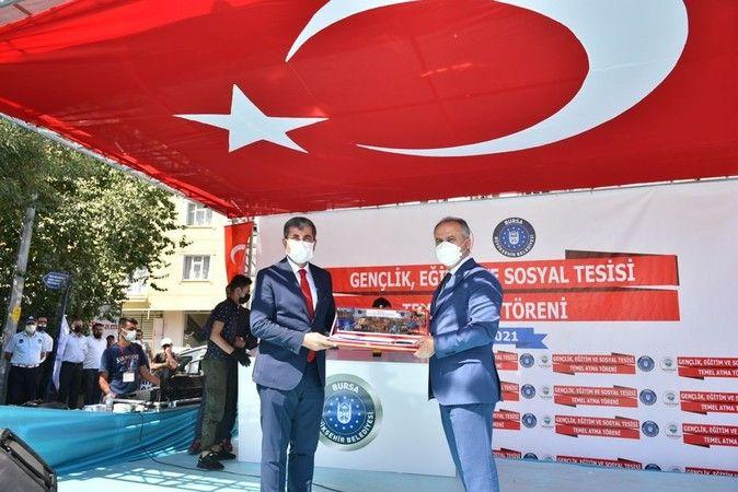 Bursa Büyükşehir Belediyesi tarafından finanse edilen ve Muş Belediyesi tarafından yürütülmekte olan 'Gençlik Eğitim ve Sosyal Tesisinin temel atma tö