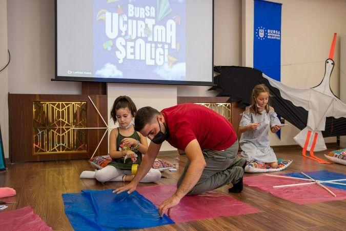 Bursa Büyükşehir Belediyesi tarafından 30 Ağustos Zafer Bayramı kutlamaları kapsamında hazırlanan 'Bursa Uçurtma Şenliği', 8-12 yaş arası çocukların d