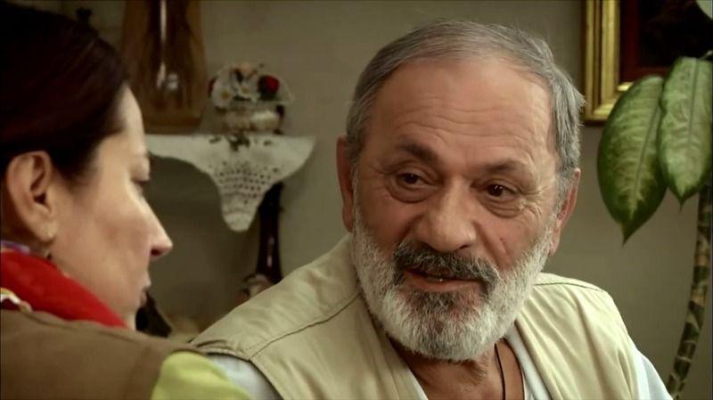 Türkiye'nin yakından tanıdığı tiyatro, sinema ve dizi oyuncusu Metin Çekmez, tedavi gördüğü Aydın'da hayatını kaybetti