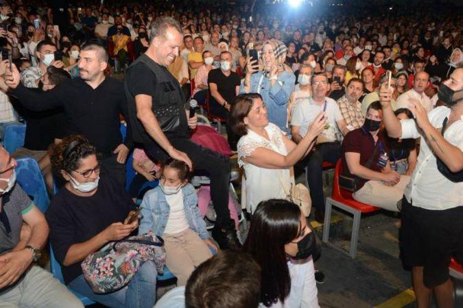 Bursa'da Haluk Levent coşkusu yaşandı