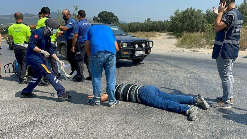 Bursa'nın İznik ilçesinde korkunç bir kaza yaşandı. Kazada otomobil ve motosiklet kafa kafaya çarpıştı. 1'i ağır 2 kişi yaralandı.