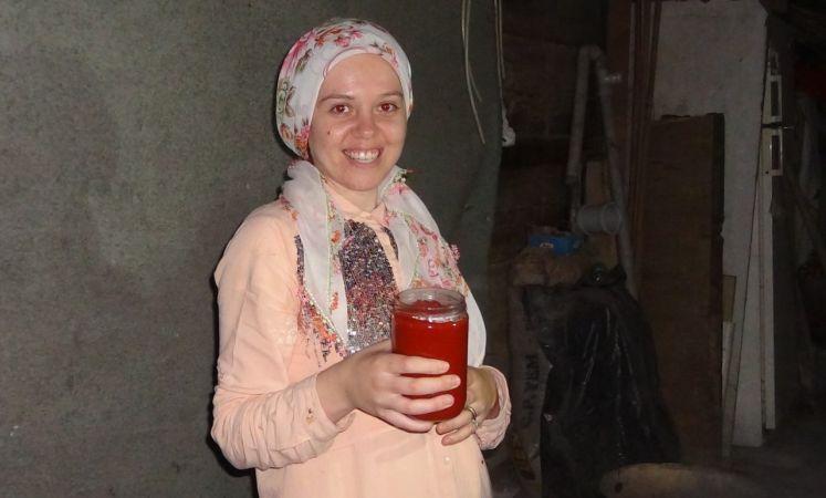 """""""Sakin Şehir"""" Taraklı'da kadınların imece usulü kış hazırlığı başladı"""