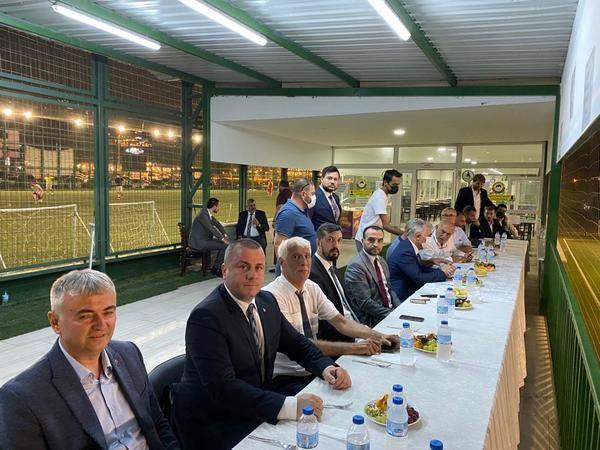Bursa'da Milliyetçi Hareket Partisi Osmangazi İlçe Başkanlığı, 30 Ağustos anısına mahalleler arası futbol turnuvası düzenledi. Turnuvada şampiyonluk k