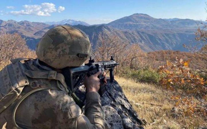 Milli Savunma Bakanlığı, Barış Pınarı bölgesine saldırı girişiminde bulunan 4 PKK/YPG'li teröristin etkisiz hale getirildiğini açıkladı.
