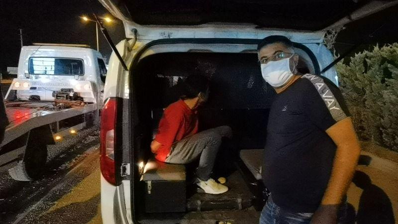 Eskişehir'den çaldığı hafif ticari araçla İstanbul'a tatile gitmek isteyen yabancı uyruklu genç, Bursa'da polis ekipleri tarafından yakalandı.