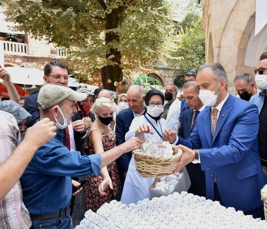 Bursa'da 2021 yılını 'Hanlar Bölgesi ve İpek Yılı' ilan eden Büyükşehir Belediyesi, UNESCO Dünya Mirası Listesi'nde yer alan tarihi bölgenin tanıtım ç