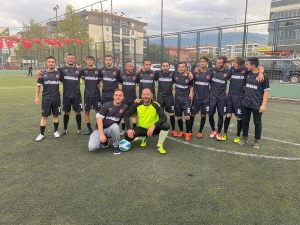 Körekem-Der Veysel Can Sevinç Halı Saha Futbol Turnuvası'nda ilk hafta maçları geride kaldı. C grubunda bulunan Doğanalan spor, turnuvanın ilk haftası