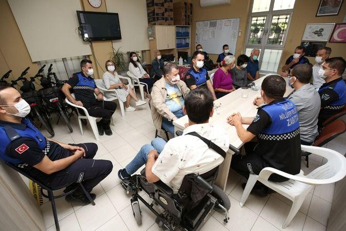 Nilüfer Belediyesi Bizim Ev Engelliler Sosyal Yaşam Destek Merkezi katılımcıları, Zabıta Haftasını kutladı.
