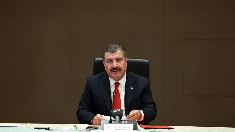 Sosyal medya hesabı üzerinden 18:00'da yapacağı açıklamaya dikkat çeken Sağlık Bakanı Fahrettin Koca önemli açıklamalarda bulundu. Bakan Koca: ''Salgı