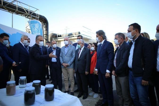 TBMM Müsilaj Sorununu Araştırma Komisyonu Başkanı Mustafa Demir,  Marmara Denizi'nde yaşanan müsilaj sorununu araştırmak üzere beraberindeki heyetle B