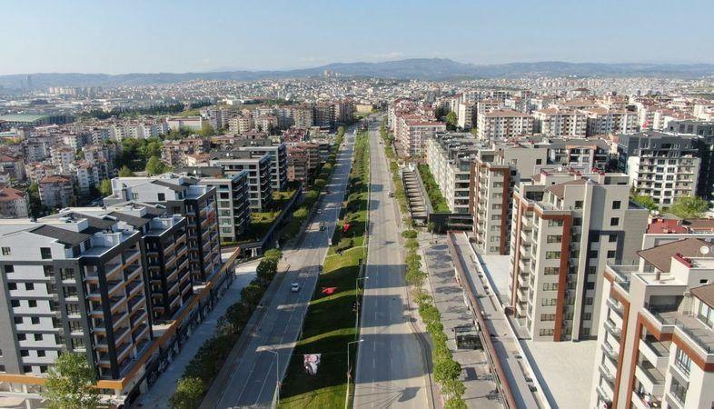 Bursa'da son dönemde konut kira fiyatları ikiye, üçe katlanırken, vatandaşlar kiralık ev bulmakta zorluk çekiyor. Bulunan evlerin kira ücretleri de he