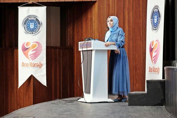 Bursa Büyükşehir Belediyesi Ana Kucağı Çocuk Eğitim Merkezlerinde görev yapan öğretmenlere, alanlarıyla ilgili bilgilerini geliştirmek ve onlara motiv