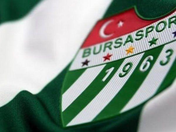 Bursaspor'da yönetim kurulunda gerçekleşen beklenmedik istifalar sonrası kartlar yeniden dağıtılıyor. Bursaspor'da istifa eden 3 yöneticinin yerine ye