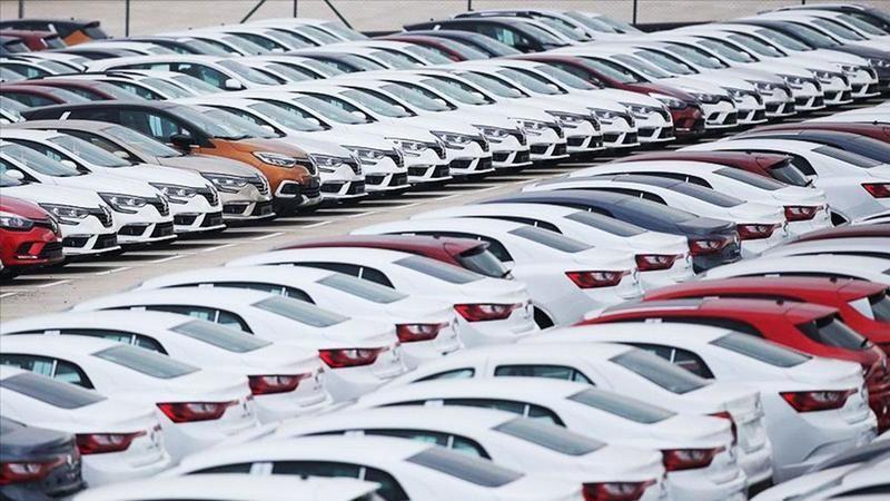 Otomobil piyasasındaki fiyatlarda dalgalanmalar devam ediyor. İkinci el online binek ve hafif ticari araç pazarında gerçekleşen satışlar, ağustosta ay