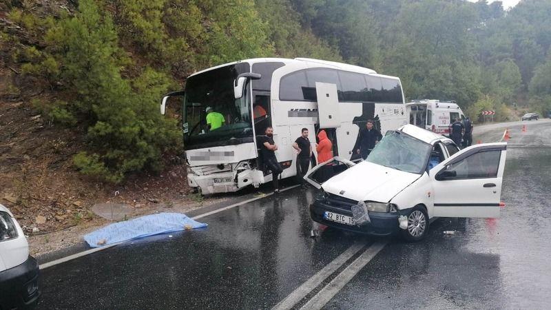 Antalya'da feci kaza 2 ölü 2 yaralı