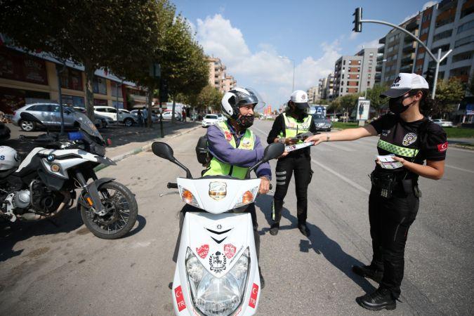 Bursa Emniyet Müdürlüğü ekipleri, motosiklet sürücülerini denetledi.