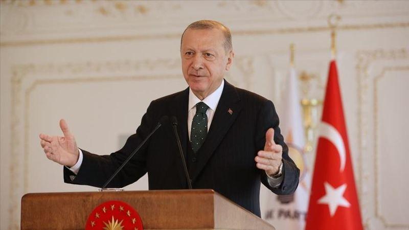 """Cumhurbaşkanı Recep Tayyip Erdoğan, Kırşehir Cacabey Meydanı'nda """"2021 UNESCO Ahi Evran Anma Yılı-Ahi Evran İzinde Esnaf Buluşması"""" programına katıldı"""