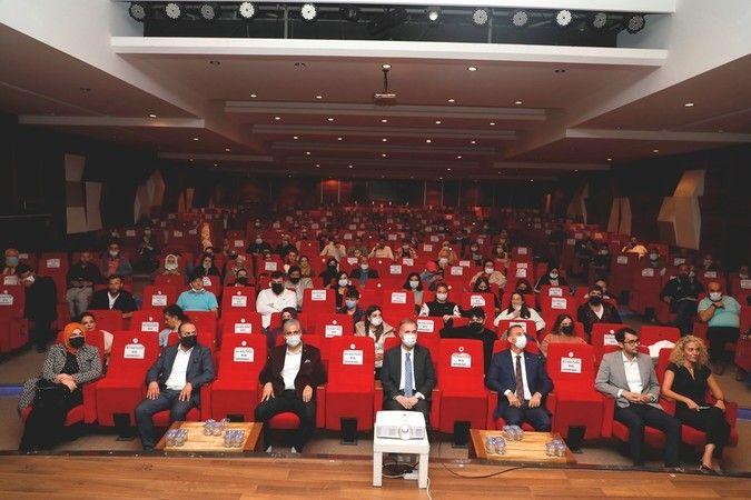 Bursa'da İnegöl Belediyesi ve Ehli Sanat Sinema ve Kültür Derneği tarafından bu yıl 8. kez düzenlenen Uluslararası Yed-i Velayet 7 Vilayet Kısa Film F