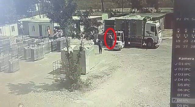 Bursa'da meydana gelen olayda forklift sürücüsü 1,5 tonluk trafoyu indirdiği sırada, trafo genç işçinin üzerine düştü. Genç işçi olay yerinde hayatını