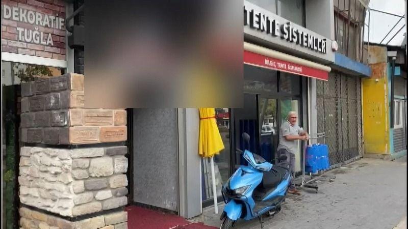 Bursa'da meydana gelen olayda trafikte tartıştığı kişilerin adresini tespit eden şüpheliler iş yerini kurşun yağmuruna tuttu. Karşılıklı silahların ko
