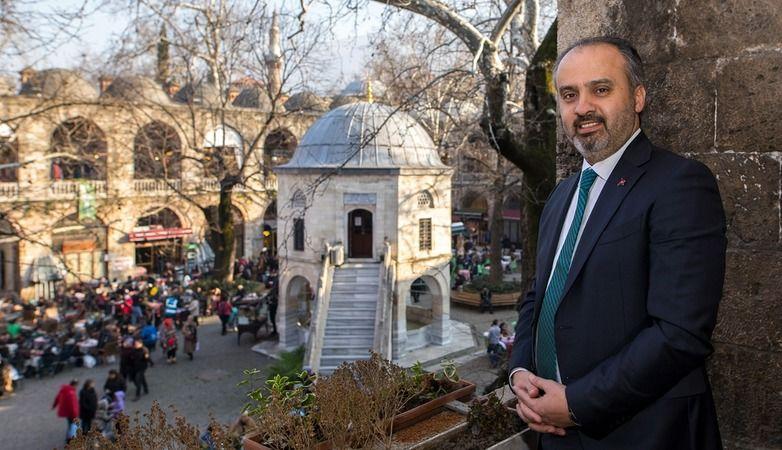 Bursa Büyükşehir Belediyesi, şehri gerçek kimliğine kavuşturuyor. Tarihi Çarşı ve Hanlar Bölgesi Çarşıbaşı Kentsel Tasarım projesi kapsamında  Kızılay