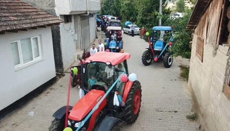 Bursa'da İsmail Efe Kamar için düzenlediği traktörlerden oluşan sünnet konvoyu dikkat çekti.