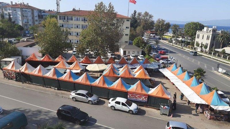 Bursa'nın Mudanya ilçesinde bulunan Yöresel Ürünler Pazar Esnaf Odası'nın tepkisi sonrasında kaldırıldı.