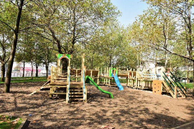 Yıldırım Belediyesi Park ve Bahçeler Müdürlüğü tarafından Demetevler Mahallesi'ne 'Rauf Denktaş Parkı' kazandırıldı. Rauf Denktaş Parkı çocukların ve