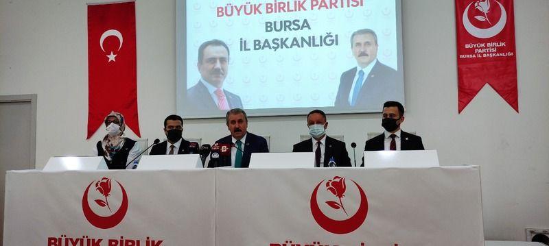 Bursa'da partilileriyle birlikte kahvaltılı basın toplantısında bir araya gelen BBP Genel Başkanı Mustafa Destici, gündeme ilişkin önemli konulara değ
