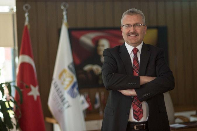 """Karacabey Belediye Başkanı Ali Özkan, """"öğrencilerimize her türlü desteğe hazırız"""" dedi. Özkan, ayrıca Karacabey'de aş evinin yanında bulunan barınma e"""