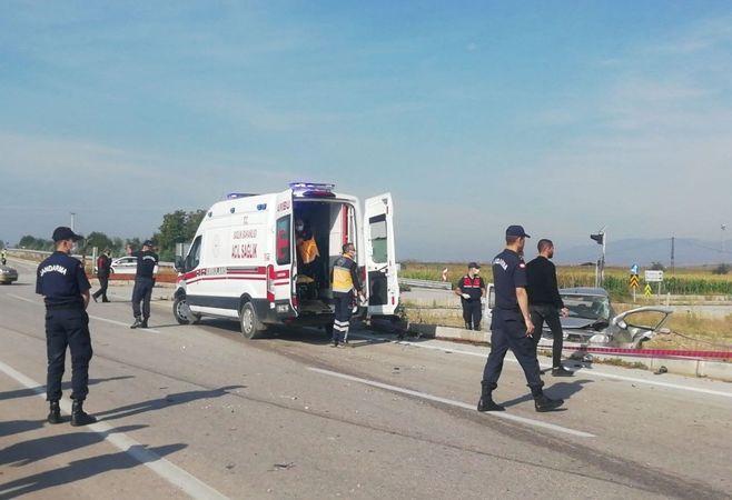 Bursa'nın Yenişehir ilçesinde meydana gelen trafik kazasında, 1 kişi hayatını kaybetti. Diğer aracın sürücüsü, kazadan yara almadan kurtuldu.