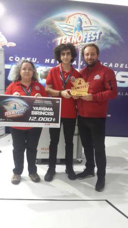 Bursalı lise öğrencisi TEKNOFEST 2021'den birincilik ödülü