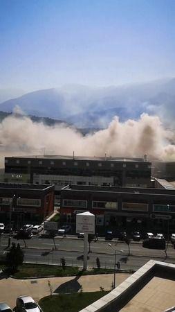 Bursa'nın Kestel ilçesinde meydana gelen olayda bir fabrikanın bacasında çıkan yangın itfaiye ekiplerinin müdahalesi ile kısa sürede söndürüldü.