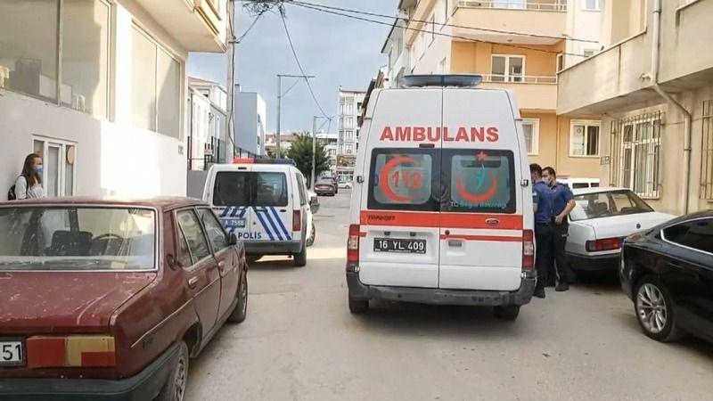 Bursa'nın Demirtaş ilçesinde bir kadın, kendisini darp ettiğini iddia söylediği erkek arkadaşını bıçaklayarak ağır yaraladı.