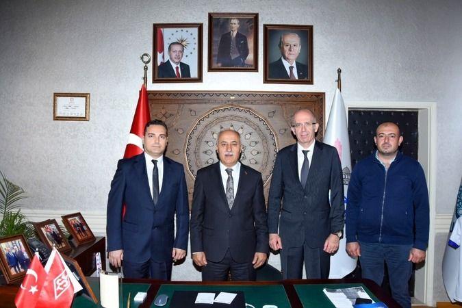 Bursa Yenişehir Belediye Başkanı Davut Aydın'ın temasları sonucu ilçeye yeni yatırımcı firma gelecek. Yatırımcı firma ilk etapta 200 kişi işçi alacak.