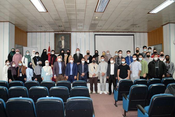 Dünyanın farklı ülkelerinde yaşayan Türk öğrenciler, eğitim görmek için Bursa Uludağ Üniversitesi'ni (BUÜ) tercih etti. 35 Türk kökenli öğrenciyle bir