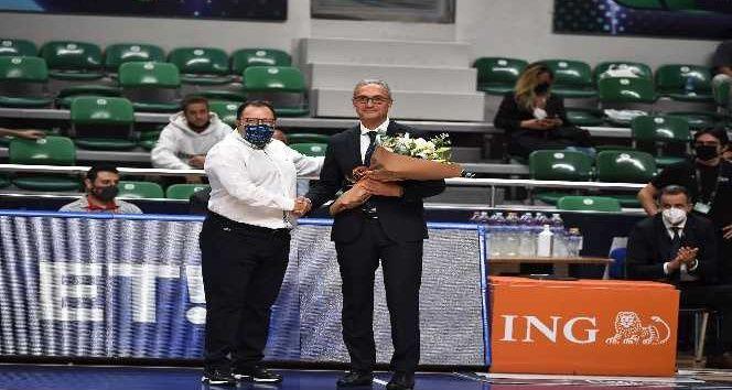 TOFAŞ Basketbol Takımı, ligin 2. haftasında sahasında konuk ettiği Büyükçekmece Basketbol'u 98-87 mağlup etti. Resmi sağlık sponsoru Medicana Bursa Ha