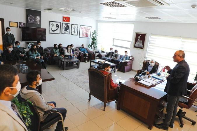 Geçtiğimiz haftalarda Gemlik Belediye Başkanı Mehmet Uğur Sertaslan tarafından açıklanan öğrencilere 25 lira sembolik bedelle ev desteği Türkiye'de ya