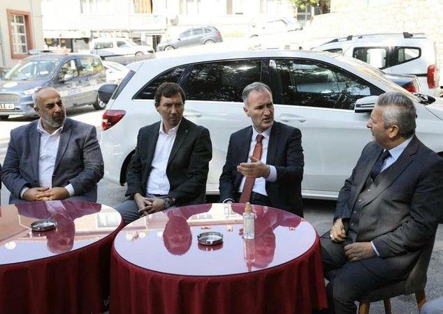 BURSA İnegöl Belediye Başkanı Alper Taban, Camilerve Din Görevlileri Haftası münasebetiyle İnegöl Müftülüğü ve Din Görevlileri Derneğini ziyaret etti.