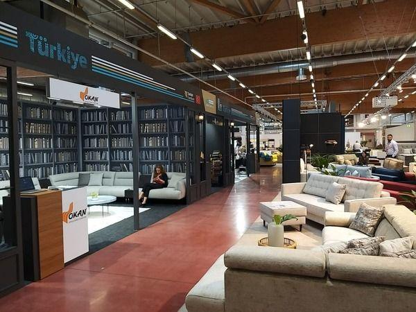 Almanya'nın Bad Salzuflen kentinde düzenlenen MOW 2021 Fuarı'na katılan Bursalı 10 mobilya firması, ürünlerini sergiledi. Bursa Ticaret ve Sanayi Odas