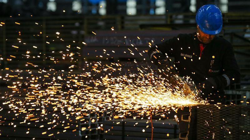 Türkiye'de işsizlik oranı, ağustosta bir önceki aya göre değişim göstermeyerek yüzde 12,1 seviyesinde gerçekleşti.Söz konusu dönemde işsiz sayısı11