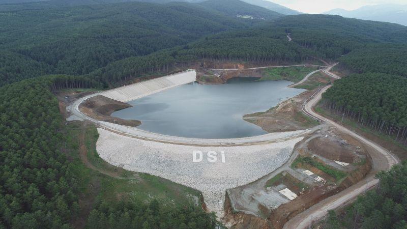 Bursa'nın Keles ilçesinde yapımı devam eden Kocayayla Göleti tamamlanma aşamasına geldi. Projenin tamamlanmasıyla birlikte 4 bin 550 dekar tarım alanı