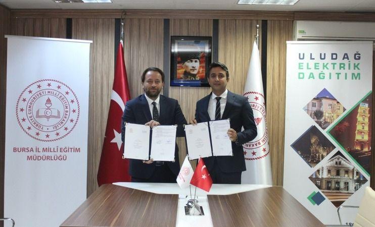 UEDAŞ ve Bursa İl Milli Eğitim Müdürlüğü arasında protokol imzalandı. Meslek liselerini kapsayan protokolde, öğrencilerin iş dünyasıyla entegre olarak