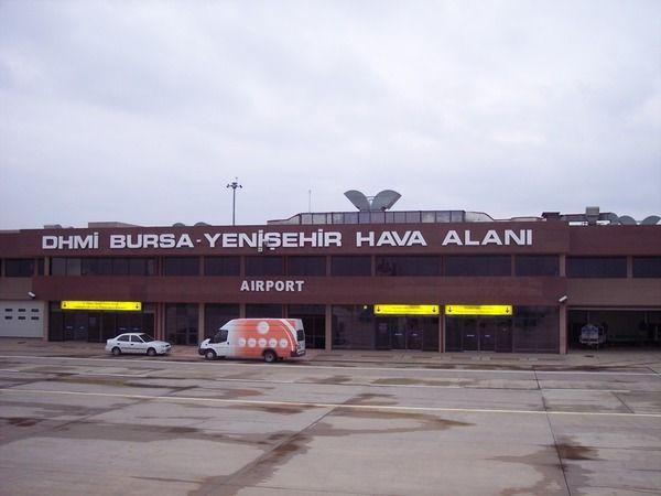 AK Parti Bursa Milletvekili Mustafa Esgin resmi sosyal medya hesabı üzerinden yaptığı açıklamada Bursa Havalimanı'nın etkin kullanılması için siyaset